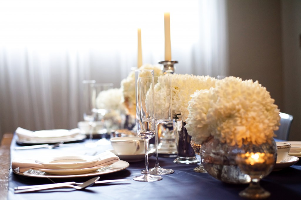 winter minimal tablescape