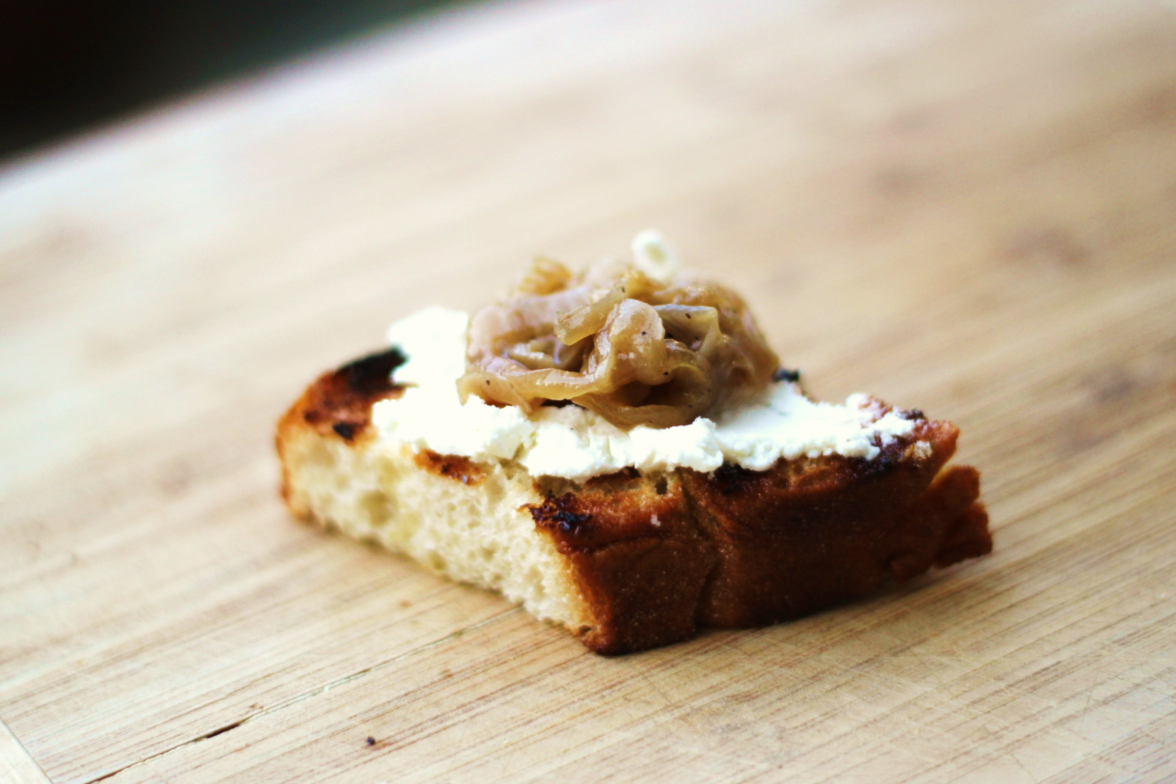 Caramelized Onion and Goat Cheese Toasts
