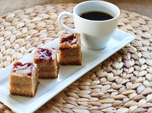 peanut butter and jelly cheesecake squares
