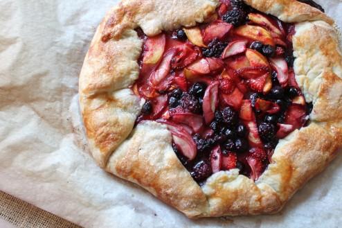 rustic peach & berry tart