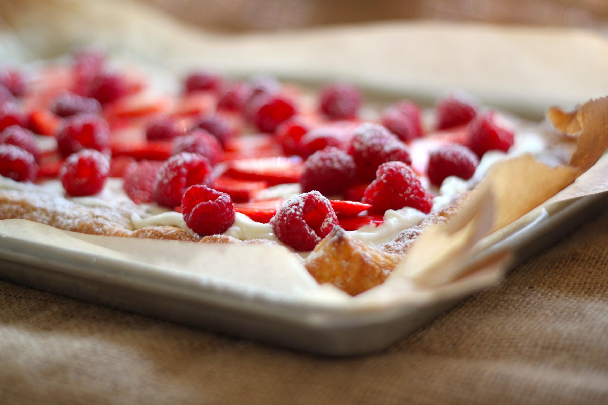 Easy Lemon Berry Cheesecake Tart | jessica burns