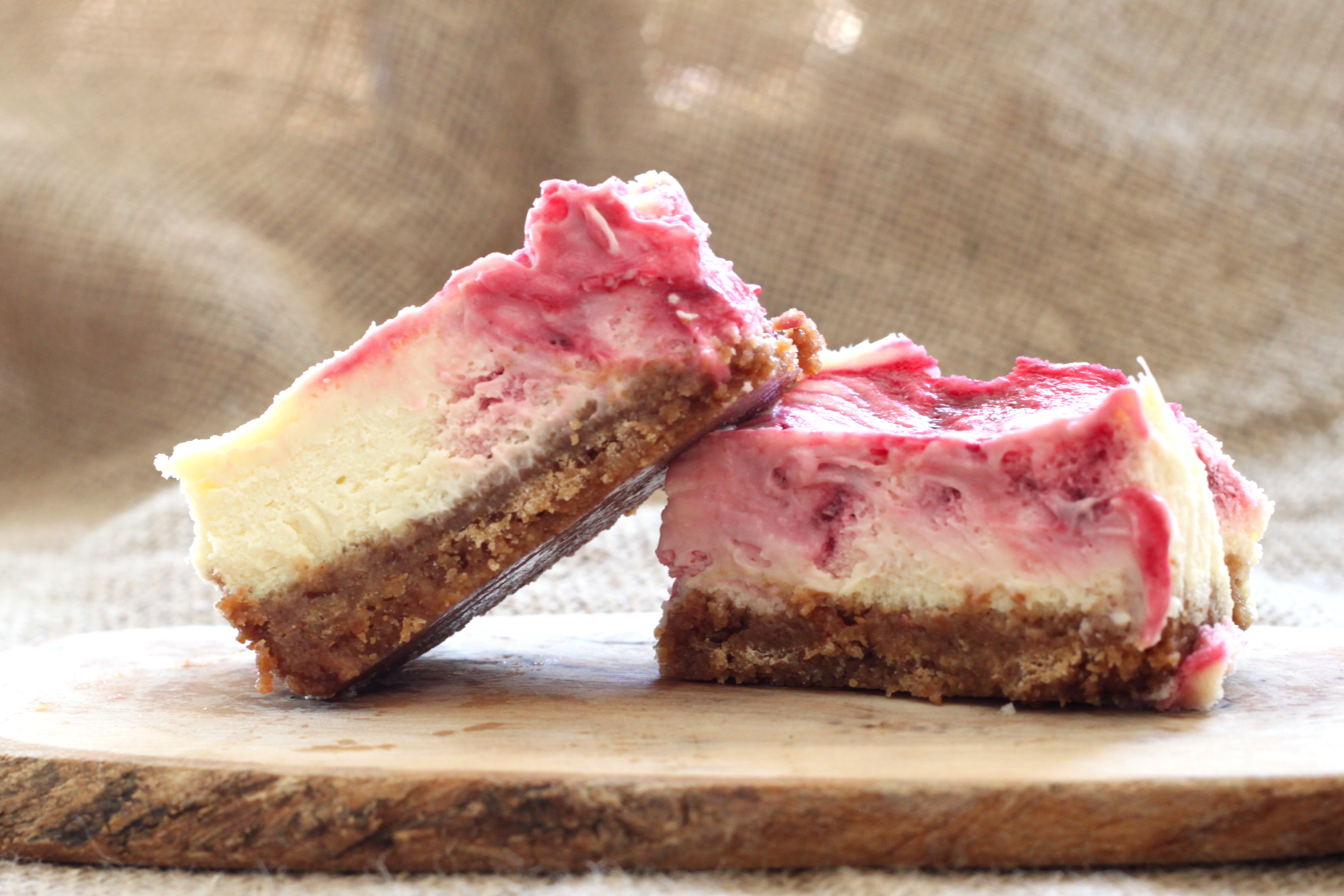 Lemon Berry Cheesecake Bars | jessica burns
